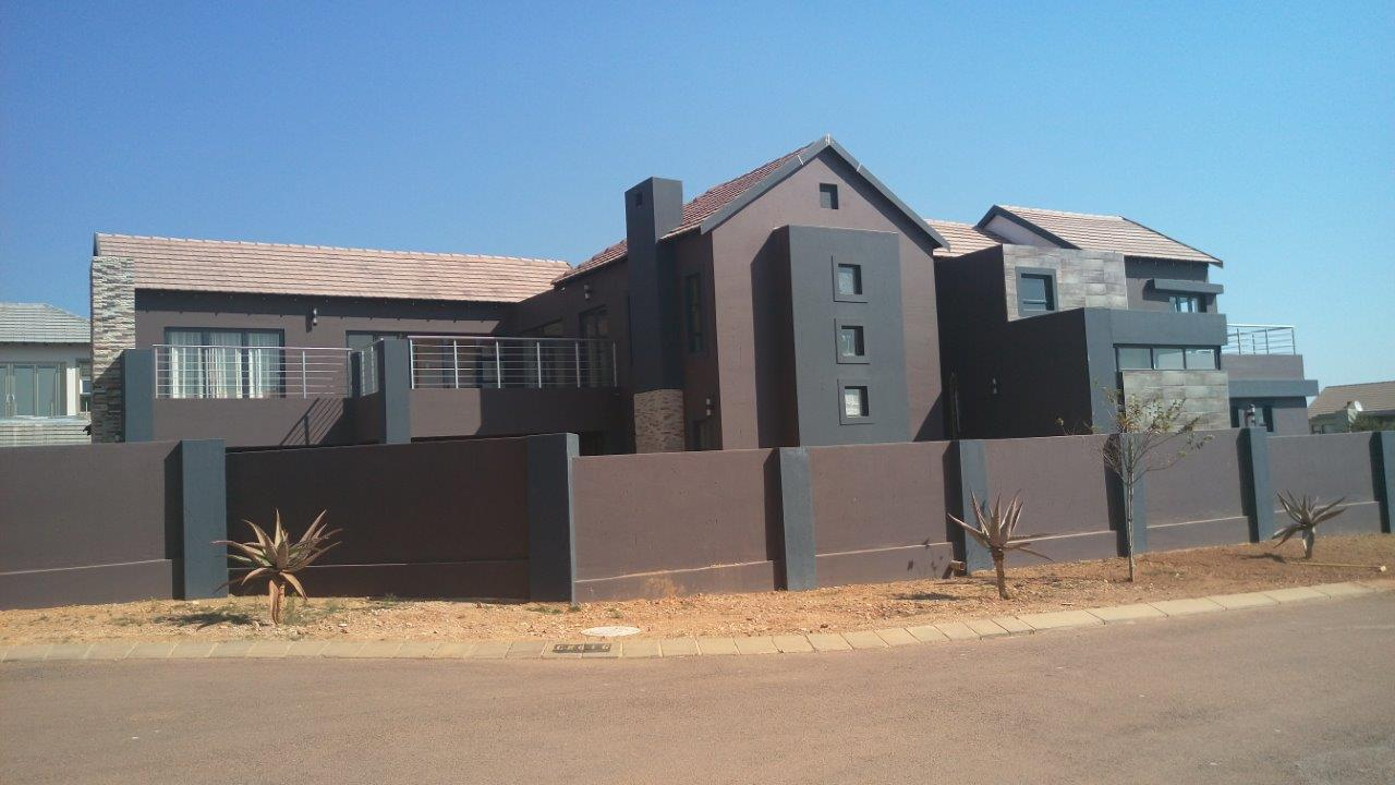 Home security, Contemporary Home, luxury modern home, Tuscan design, house plans, home designs, archid architects, gallery portfolio, architects in johannesburg, archid architects, house plans, Tuscan home design, architecture design, design style, house plans south africa, modern architecture